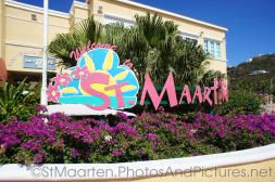Welcome to St Maarten sign.jpg